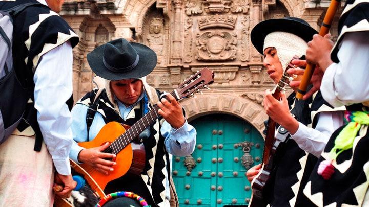 Cusco-muzisyenleri