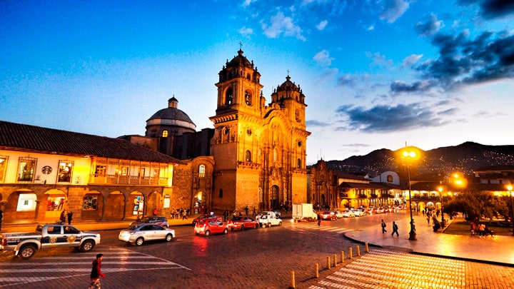 Cusco-plaza-de-armas