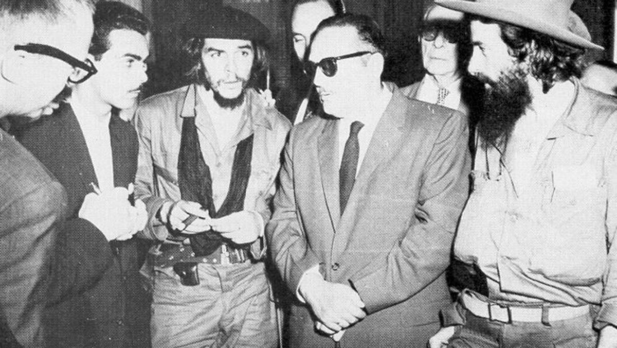 Urrutia and Che