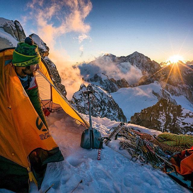 Renan-Ozturk-kamp-dağ-manza