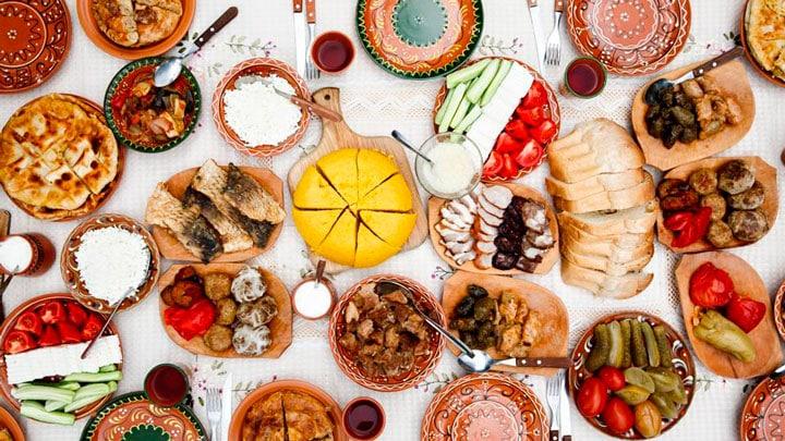 Sibiel-Köyü-sofra-yemekler