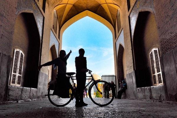 bisikletle-iran-kapak-2