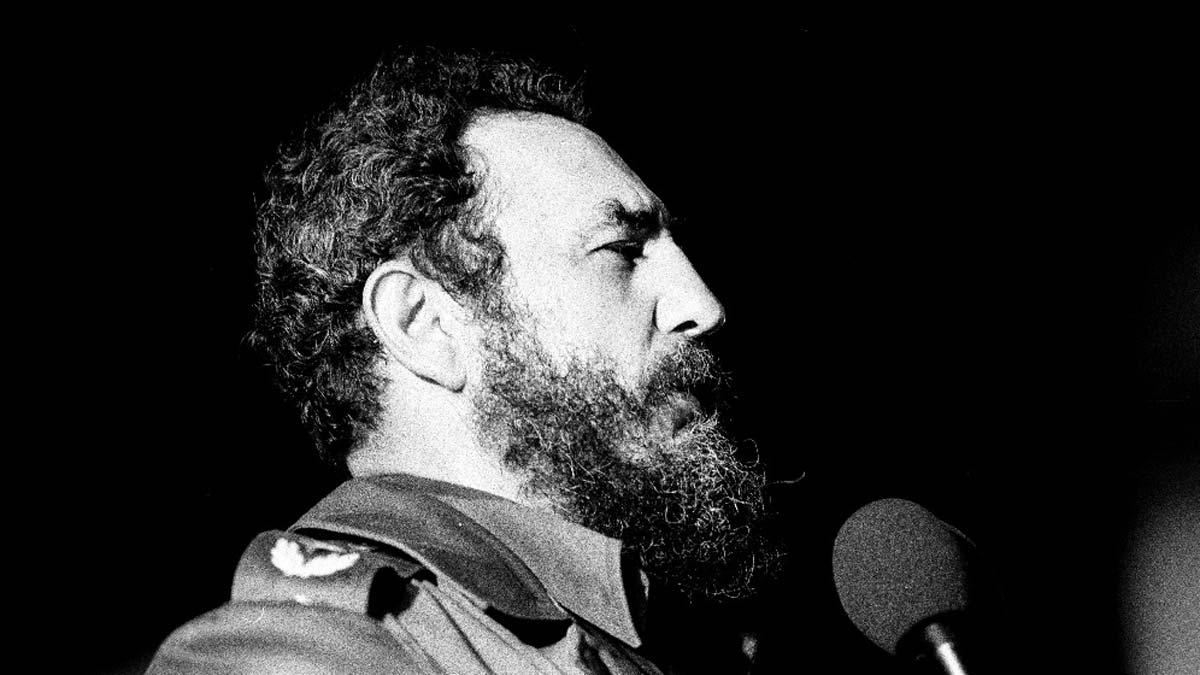 Fidel Castro, b&w