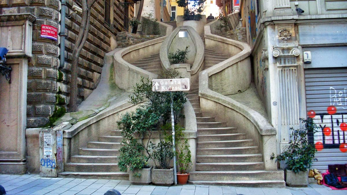 istanbul-kamondo-merdivenleri