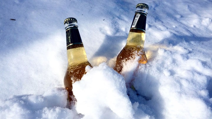 karda-bira-beer-buried-in-snow