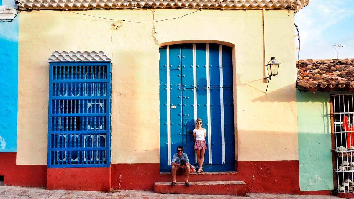 pastel cuba buildings