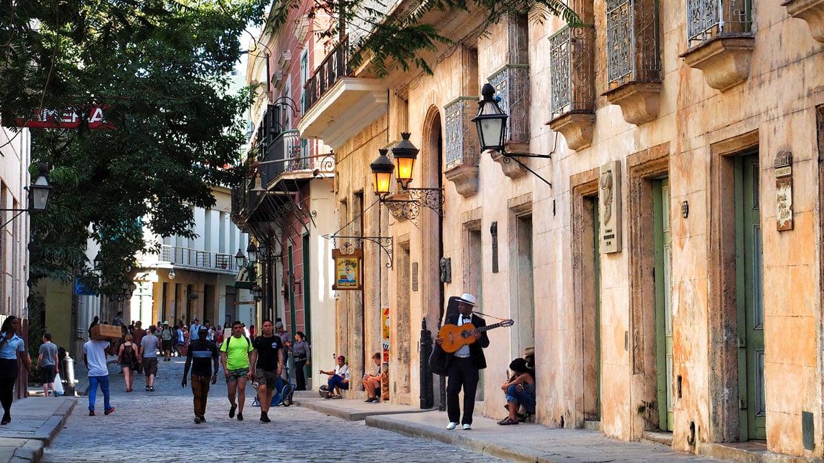 Havana streets musicians