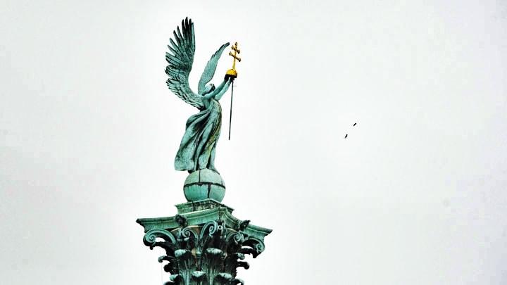 kahramanlar-meydani-budapeste-heroes-square-3
