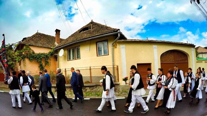 rumen-düğünü-konvoy-transilvanya