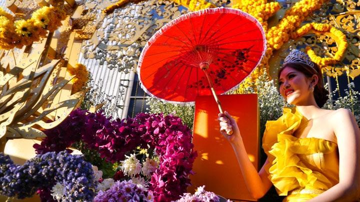 tayland-gezi-rehberi-chiang-mai-flower-festival-floats